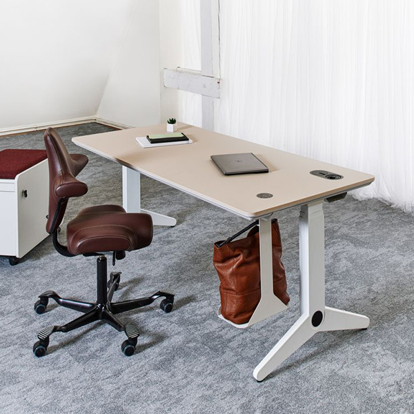 UNIT_asztal_iroasztal_Elektromos_magassagallitas_1-1