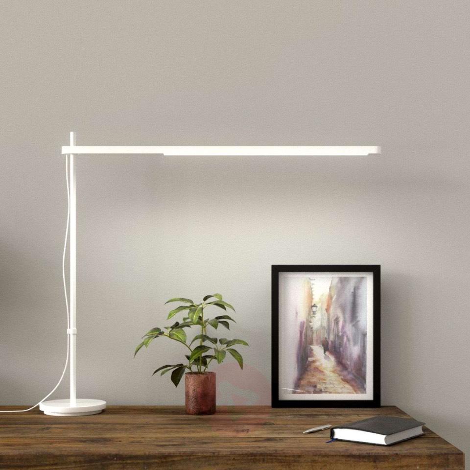 Artemide_irodai-lampa_Talak-asztali-lampa_01