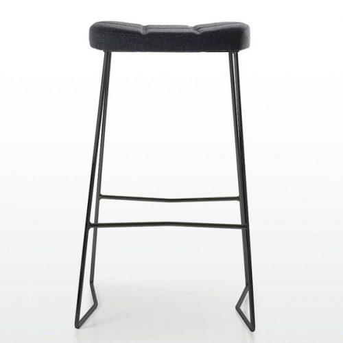 Quinti_Osvaldo_Bárszékek és magas asztalok_01